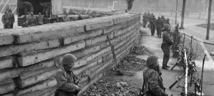 25 Maddede Berlin Duvarı: Neden Yapıldı, Neden Yıkıldı?