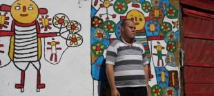 Yaşadığı Gecekonduyu Resim Müzesine Çeviren Zihinsel Engelli Muhammed'in Renklere Sığınmış Hikayesi