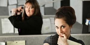 Neden Hala İş Arkadaşınız Olduğunu Anlamadığınız Sizi Çıldırtan 10 Tip