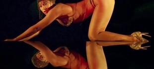 Havanın Isındığı Şu Günlerde Yürürken Seksi Hissettiren 17 Şarkı