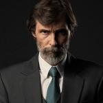"""Erdal Beşikçioğlu'nun Televizyonun En """"Cool"""" Adamı Olduğunun 7 Kanıtı"""