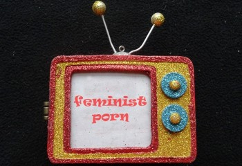 10 Maddede Yatakta Başka Şeyler Söyleyen Feminist Porno Manifestosu (+18)