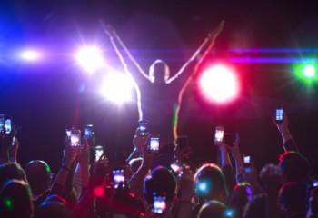 Akıllı Telefonların Hayatımızdan Çaldığı 16 Güzel Şey
