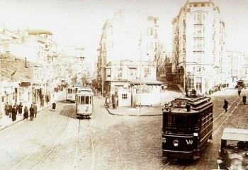 Tarihinden Direnişine 22 Adımda Taksim Meydanı'nın Öyküsü